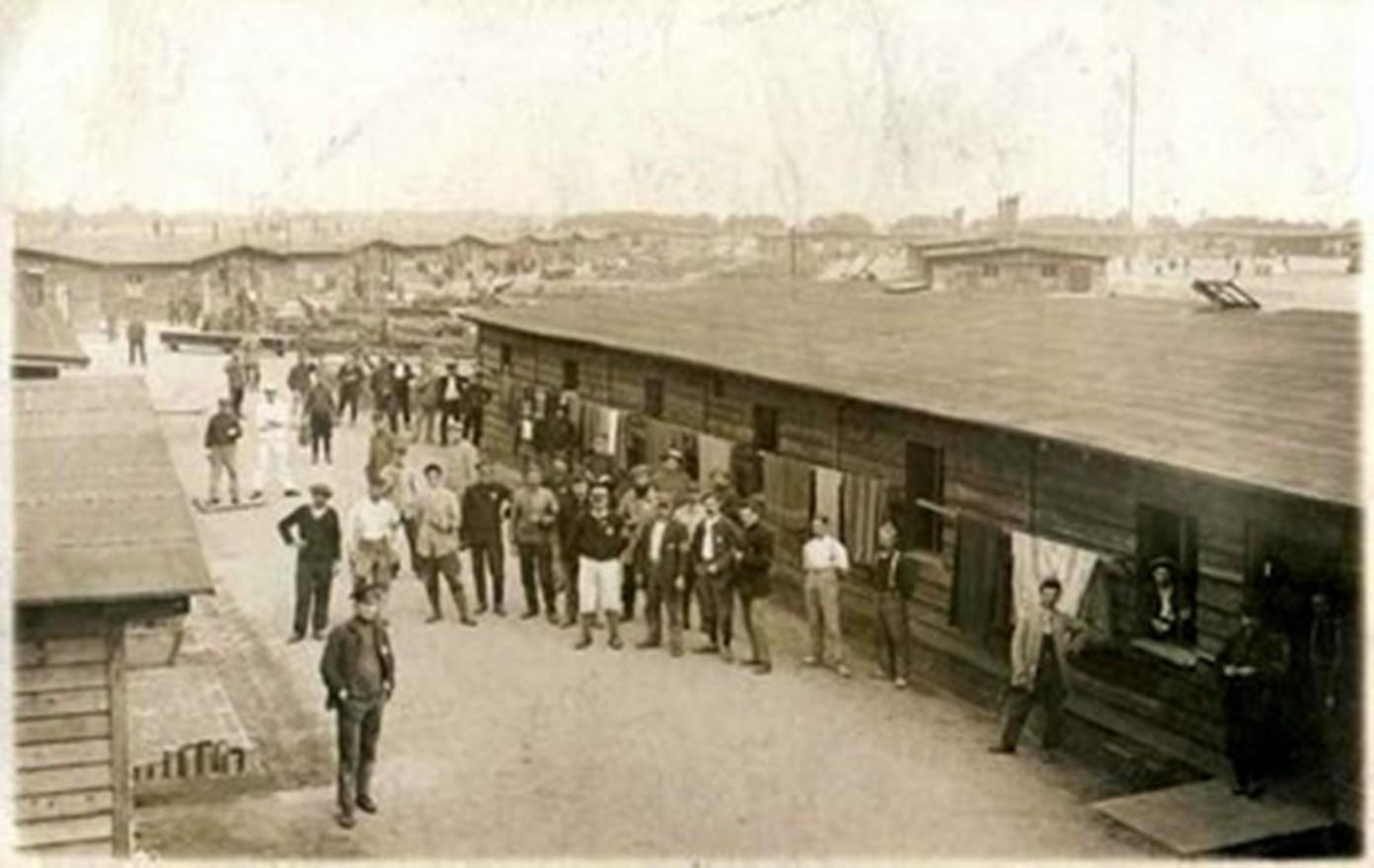2 friedrichsfeld02 baraques